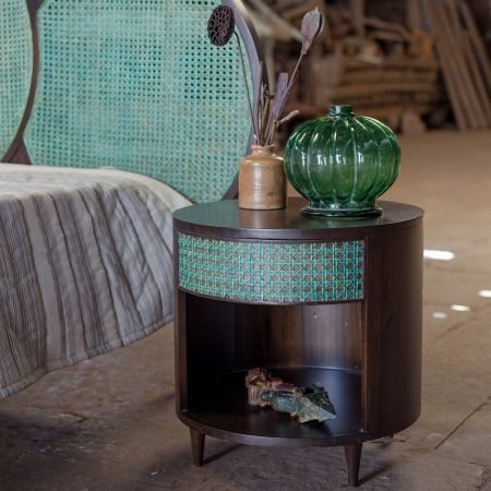 green-side-table