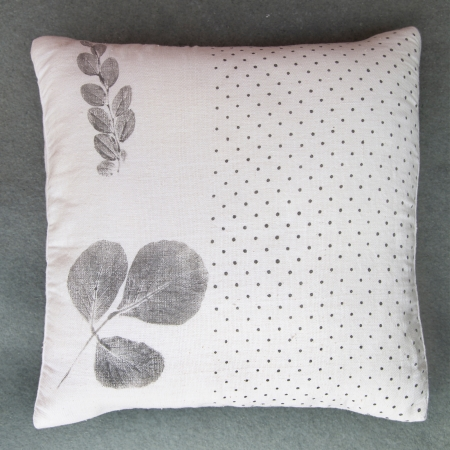 THUMBNAIL TLA Palash Bordi Cushion