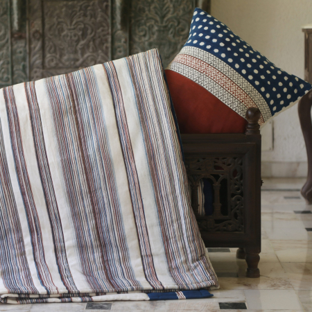 THUMBNAIL-2-Lal-Vadali-Patta-Liti-Quilted-Bed-Cover-scaled-1.jpg