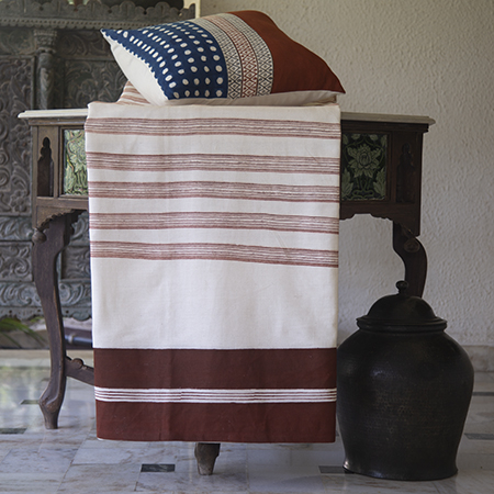 THUMBNAIL-Lal-Patta-Liti-Quilted-Bed-Cover.jpg
